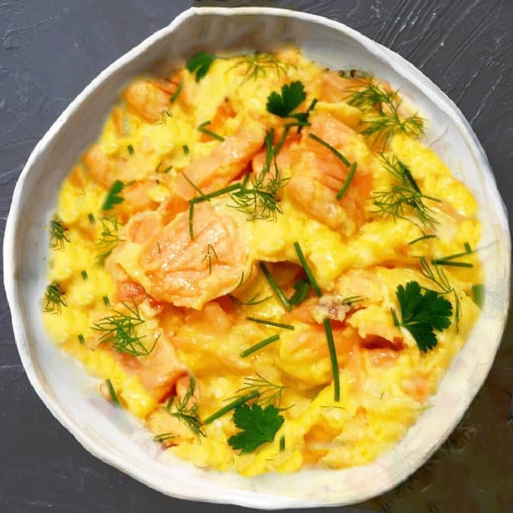 Creamy Scrambled Eggs with Dill and Smoked Salmon : The Atkins Diet Recipes