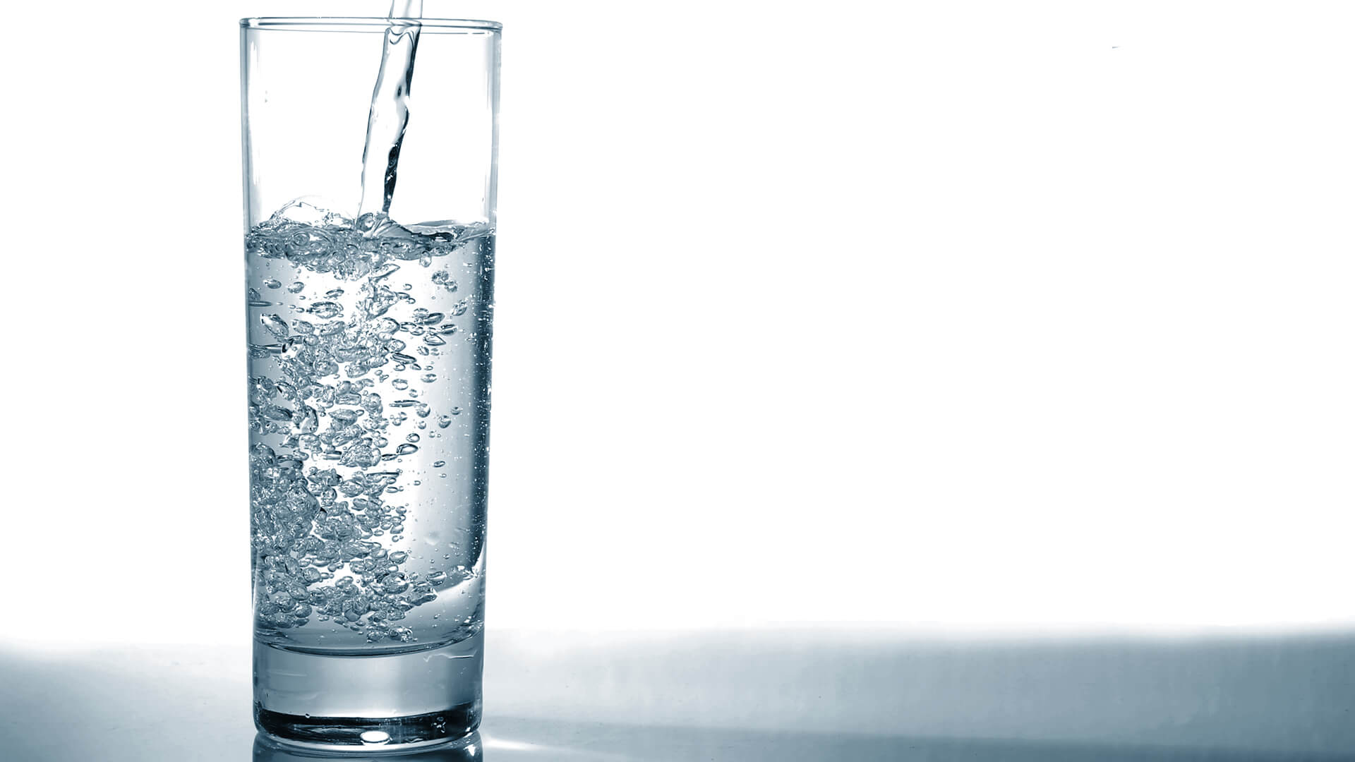 drink a glass of water before having meal