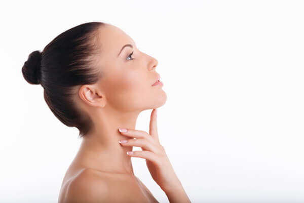 jawline-how-to-perfect-sculpted-cheekbones-facial-exercises_(3) (1)